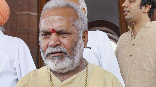 The law student who has leveled sexual harassment charges against former BJP MP Swami Chinmayanand has submitted a pen drive to the special investigation team (SIT) conducting the probe.(PTI)