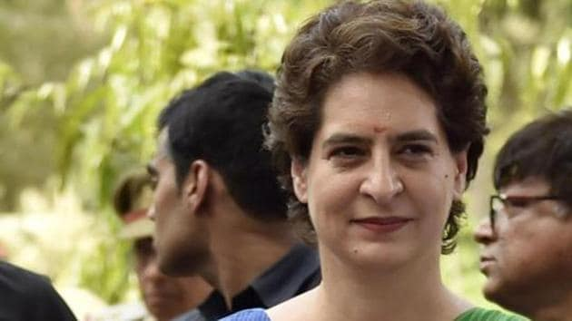 Congress general secretary Priyanka Vadra Gandhi gave a stinging response to Union Minister Santosh Gangwar for his comment on lack of quality among north Indian candidates(Ajay Aggarwal/HT PHOTO)