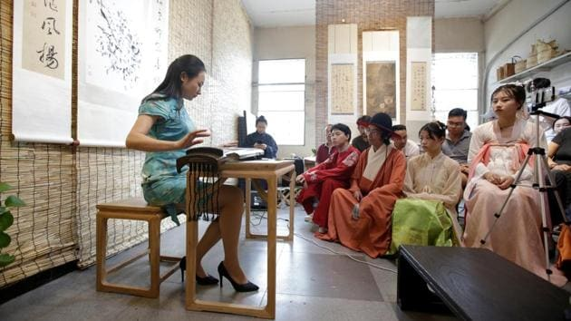 Hanfu movement sweeps China in revival of traditional culture