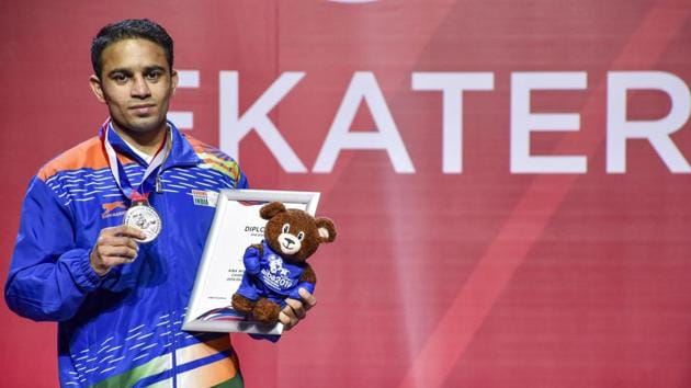 Amit Panghal (52kg) with the silver medal at the AIBA Men's World Championships in Ekaterinburg, Russia.(PTI)