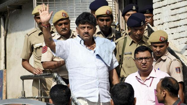 Senior advocates Abhishek Manu Singhvi and Mukul Rohatgi, appearing for Shivakumar, opposed the ASG's submission and said that he was innocent and that the ED was desperate to keep him in jail.(AP)