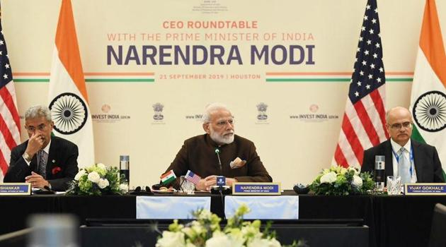 PM Modi attended a roundtable with 17 CEOs of energy companies that were together worth $1 trillion and had operations in more than 150 countries, including India, which they want to grow.(Photo: Twitter/@narendramodi)