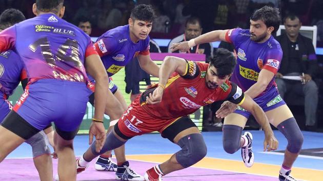 Dabang Delhi vs Bengaluru Bulls match ends in 39-39 tie.(PKL)