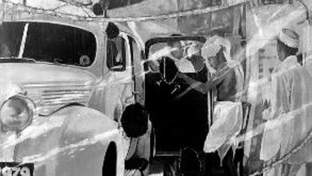 Mahatma Gandhi entering GD Birla's Packard, a 2016-2018 oil on canvas by artist Atul Dodiya.