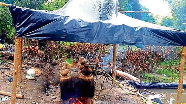 Illegal country-made liquor makers continue to make liquor in forest areas of Kumaon and Garhwal regions.(HT Photo)