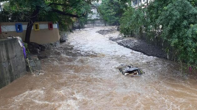 A water logged street in KK Market in Pune, Thursday, September 26, 2019. The city recorded 100 mm of rain in four hour period on the night of September 25, 2019.(Rahul Raut / HT Photo)