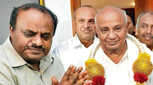 JD(S) patriarch HD Deve Gowda (right) has been tirelessly engaged in efforts to rejuvenate the party.(PTI)
