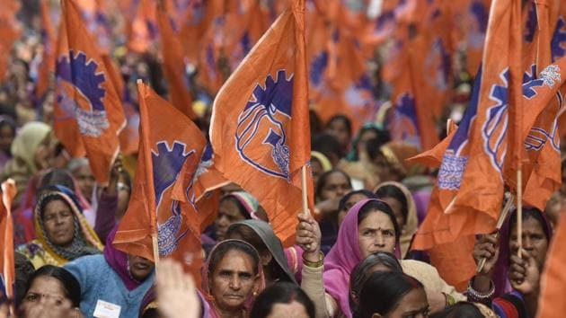 The Bharatiya Mazdoor Sangh (BMS), the labour wing of the Rashtriya Swayamsevak Sangh (RSS), has warned the government that the economy will take a turn for the worse unless it comes up with special packages to boost farming(Ravi Choudhary/HT PHOTO)