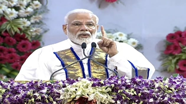 Prime Minister Narendra Modi addressing students at the convocation of IIT Madras on Monday.(Twitter)