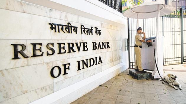 According to the Reserve Bank of India (RBI) notification, October holiday list is inclusive of the second and fourth Saturdays, Sundays and they are exclusive of the public holidays in different states.(Mint Photo)