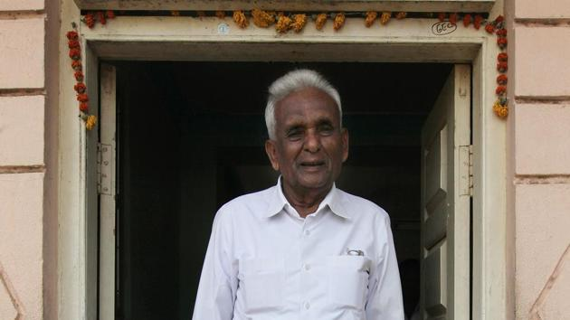Ganpatrao Deshmukh was a member of the Maharashtra legislative assembly for 11 terms or 59 years from Sangole in Solapur district in Maharashtra.(Vijayanand Gupta / HT File Photo)