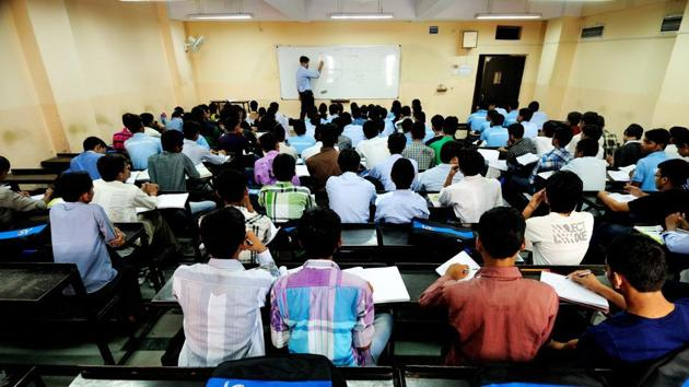 People shouldn't be doing master's courses to pass time while waiting for a job. They should do it to actually further their knowledge, and becoming more specialised, R Chandrashekhar said. (Representational image)(Mint file)