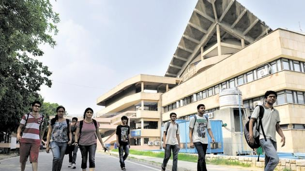Indian Institute of Technology Madras (IIT-M) on Sunday issued a statement on the recent fee hike in the MTech programme in IITs.(HT file)