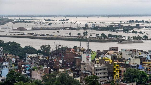 Flooded-affected areas in Patna due to overflowing of River Ganga following heavy monsoon rainfall on Monday.(PTI PHOTO.)