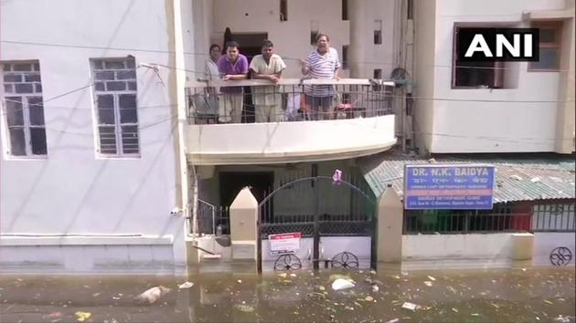 Bihar continued to reel under floods due to heavy rain. IAF helicopters dropped relief material in Patna's Rajendra Nagar. State capital Patna is said to be the worst hit. Bihar government said that at least 40 people have died in rain related incidents. NDRF has been deployed to carry out rescue operations. Bihar has been lashed by incessant rains since Friday night. Chief Minister Nitish Kumar reviewed flood situation through video conferencing.