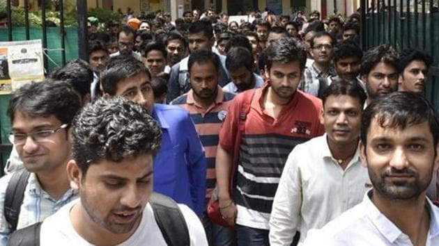 IBPS has released the admit card for office assistant (Multipurpose) main examination 2019. Here is how to download.(Arvind Yadav/HT PHOTO)