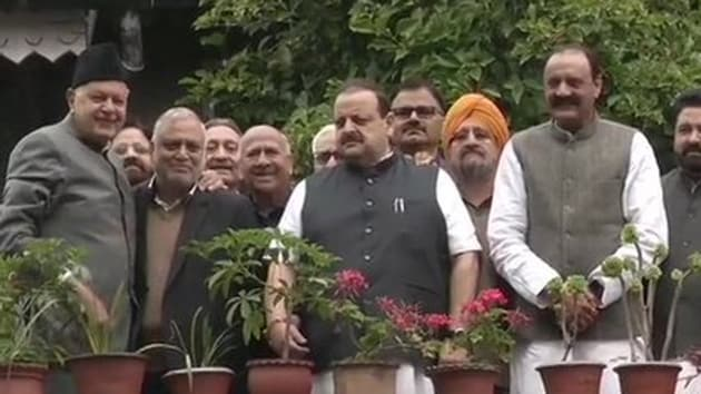 The NC delegation, led by Jammu provincial president Devender Singh Rana, flew in to Srinagar from New Delhi early Sunday for the meeting.(ANI)