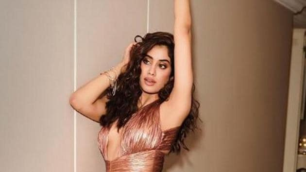 Janhvi Kapoor's new Instagram pictures are setting the internet on fire.