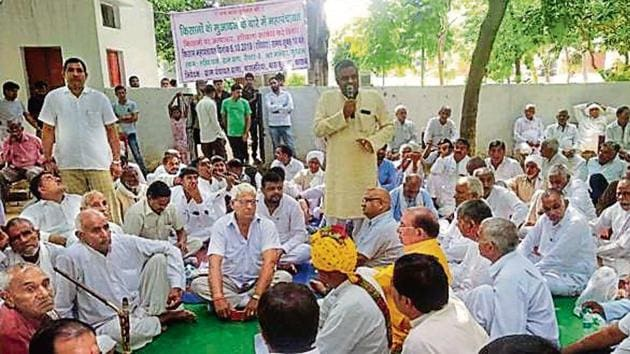 Village representatives on Sunday held a panchayat at Dhana village to decide whether residents of Bas Kusla, Bas Haria, Dhana and Kasan should boycott the poll or start indefinite protest.(Handout)
