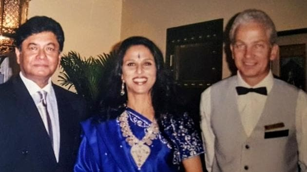 Dilip De, Shobha De and David Gower (right) at a party in Bombay.(HT Photo)