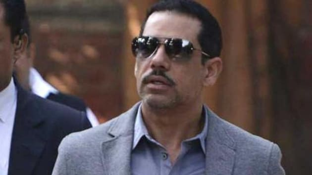 The property dealer had earlier admitted during questioning by the Enforcement Directorate that he had executed the land deals for Vadra's companies in Rajasthan.(HT image)