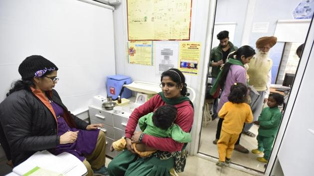 File phoot of a Mohalla Clinic organised by Delhi government at Peeragarhi in New Delhi.(HT File)