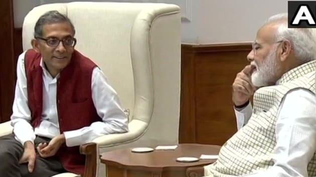 This year's Nobel Prize winner for economics, Abhijit Banerjee, called on Prime Minister Narendra Modi in New Delhi on October 22, 2019.(ANI / Twitter)