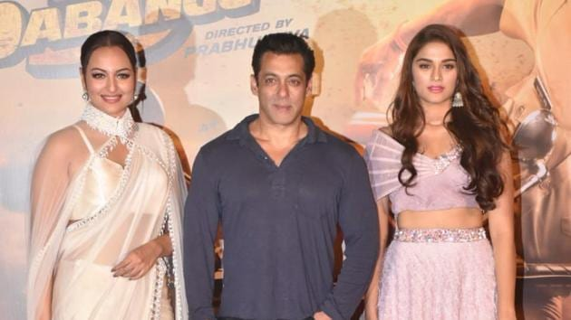 Salman Khan was accompanied by his Dabangg 3 co-stars Sonakshi Sinha and Saiee Manjrekar at the trailer launch.