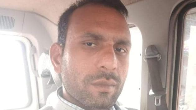 Mohammad alleged that inside the jail he was called by one jail guard, Yogesh, who asked him about his political affiliation and started abusing him.(HT Photo)