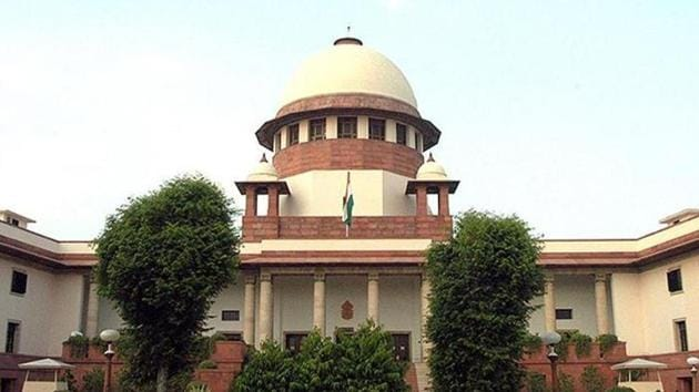 A senior judge of the Supreme Court who is heading the constitution bench hearing petitions on the law acquisition law, will not recuse from the case, the Supreme Court ruled on Wednesday.(Sunil Saxena/HT File Photo)