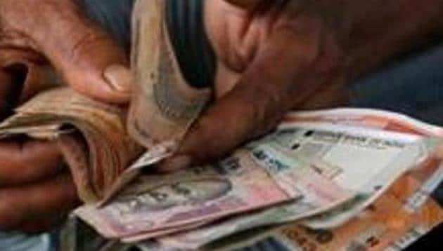 Traders said rupee is trading in a narrow range as market is awaiting fresh cues on the potential US-China trade deal.(REUTERS)