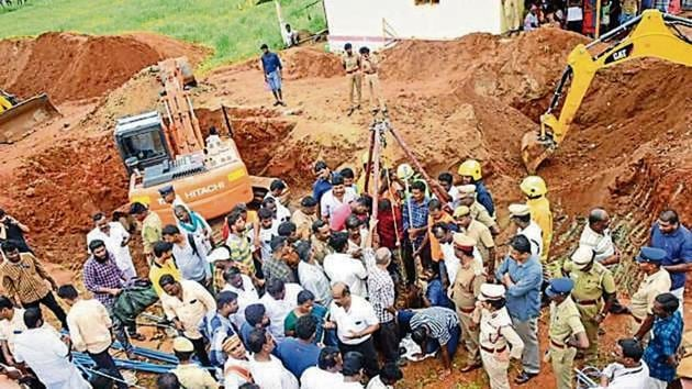Rescue Operations to save Surjith Wilson, the two-year-old who fell into a borewell at Nadukattupatti village near Manapparai in Tamil Nadu.(HT Photo/Sourced)