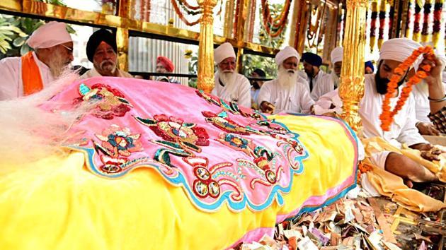 Nagar Kirtan (a religious procession) by Indian Sikh devotees to Nankana Sahib, Pakistan, departed from New Delhi on Monday.(ANI Photo)