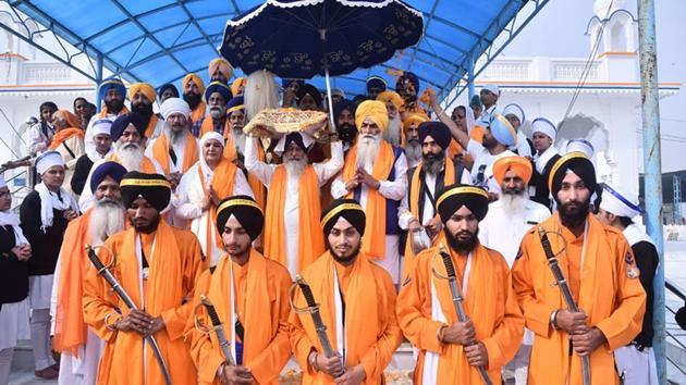 Panj pyara's leading the procession from Gurudwara Rababsar Sahib to Gurudwara Sri Ber Sahib at Sultanpur Lodhi, India, on Friday.(HT PHOTO)