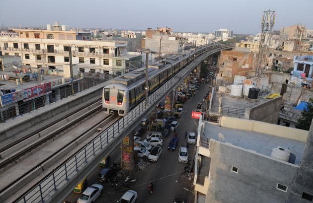 Encouraging public transport and EVs, and improving last-mile metro connectivity will help(Virendra Singh Gosain/HT PHOTO)
