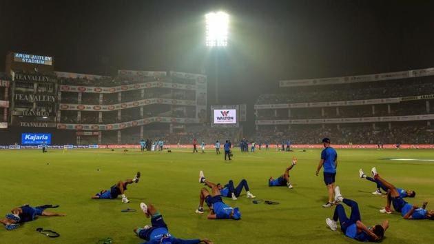 ndian cricket team members warm-up at Arun Jaitley Cricket Stadium in New Delhi.(PTI)