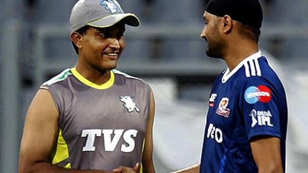 A file photo of Sourav Ganguly (L) and Harbhajan Singh.(HT Photo)