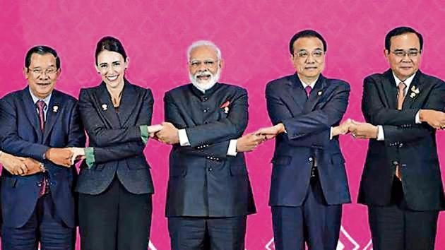 Prime Minister Narendra Modi with other Asean leaders and dialogue partners in Thailand on November 4, 2019.(Reuters Photo)