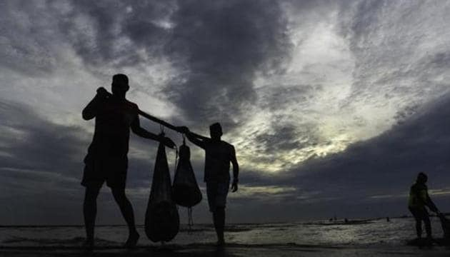 According to India Meteorological Department officials, the cyclones – cyclone Maha and cyclone Bulbul — in the two seas were a rare concurrent occurrence, though not unprecedented.(Pramod Thakur/ HT FILE Photo)