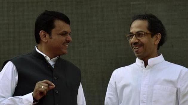 Maharashtra Chief Minister Devendra Fadnavis and Shiv Sena chief Uddhav Thackeray(HT file photo)
