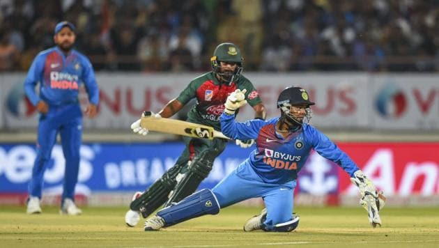 Bangladeshi player Liton Das being run out by Indian wicket-keeper Rishabh Pant(PTI)