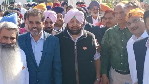 Punjab CM Captain Amarinder Singh at Gurudwara Darbar Sahib, at Kartarpur, Pakistan on Saturday, November 9, 2019.(Sameer Sehgal / HT Photo)