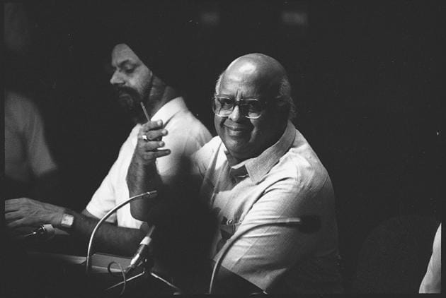 Former chief election commissioner, TN Seshan, during a press conference, August 03, 1993. The reason Seshan was so widely respected, in life and in death, is simple. He understood and implemented the spirit of the constitutional scheme as far the EC was concerned(Sanjay Sharma/HT)