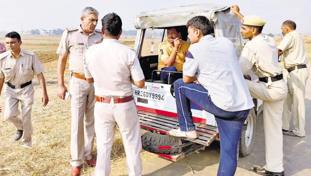 The accused, Naresh Kumar, was a mechanic and he used to have frequent fights with his wife, Shanti, over his drinking habit, the police said.(HT PHOTO.)