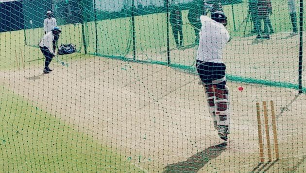 Virat Kohli in action against the pink ball.(HT Photo)