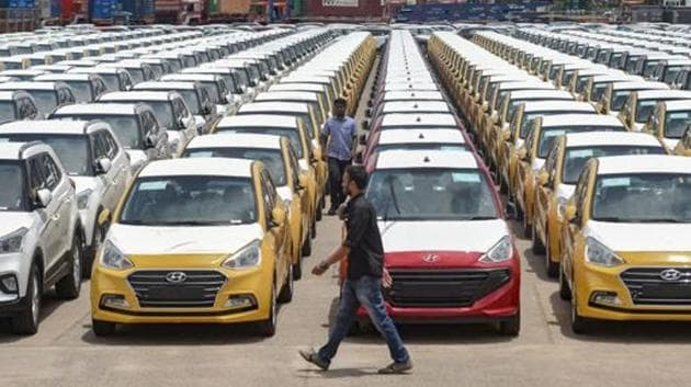 A total of 285,027 passenger vehicles were sold in the festival month of October