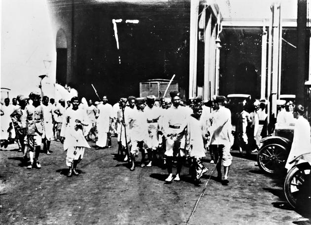 Sergeant Surendranath's dilemma: Rioters being arrested in Calcutta in May 1926.(Getty Images)