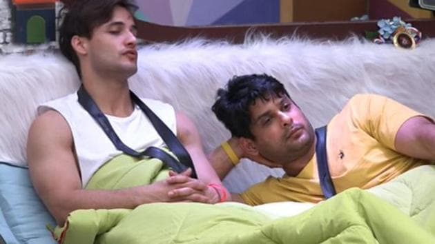 Asim fought with Sidharth Shukla during a task on Wednesday's episode and they eventually lost the task.