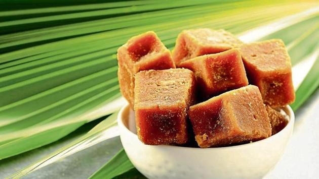 Here's how to cook with jaggery for a healthy lifestyle.(IStock)