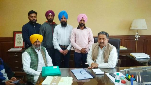 Members of the Unemployed BEd Teachers' Union during a meeting with state education minister Vijay Inder Singla in Chandigarh on Tuesday.(HT PHOTO)